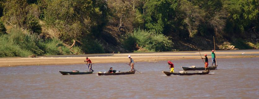 Les gorges du fleuve Manambolo et le Tsingy de Bemaraha